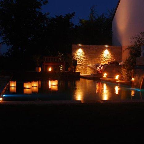 bell vital Naturpool III Badevergnügen bei Nacht