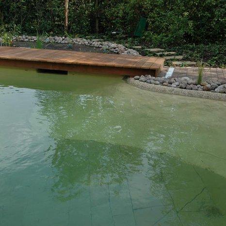 Poolsanierung Umgestalteter Chlor-Pool in einen Naturpool mit bell vital-Biofilter